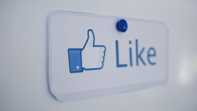 facebook_like_nonprofit_activism