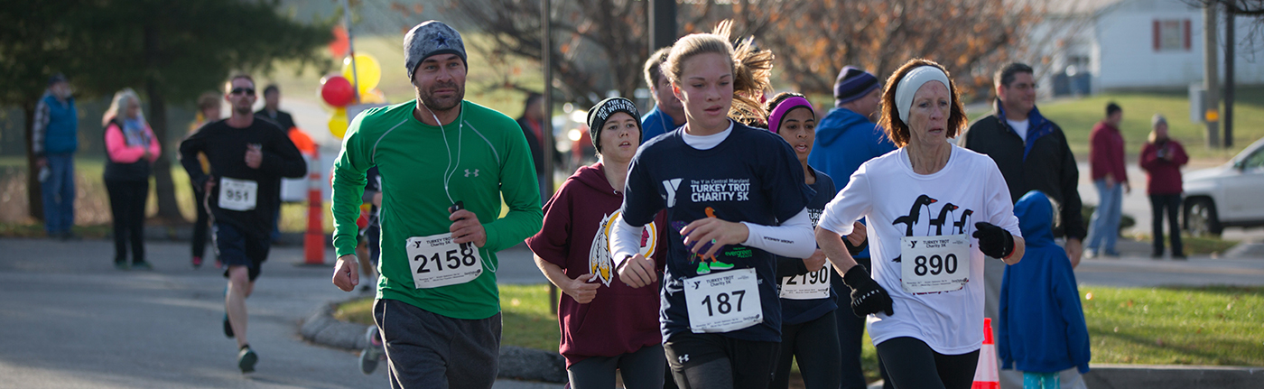 people running in the Y in Central Maryland Annual Turkey Trot