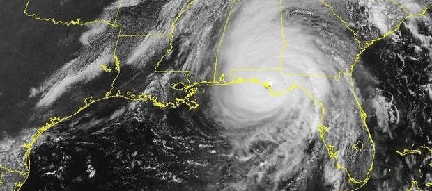 a hurricane approaching the south east part of the United States