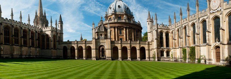 Image of University of Oxford where they offer social entrepreneurship programs.